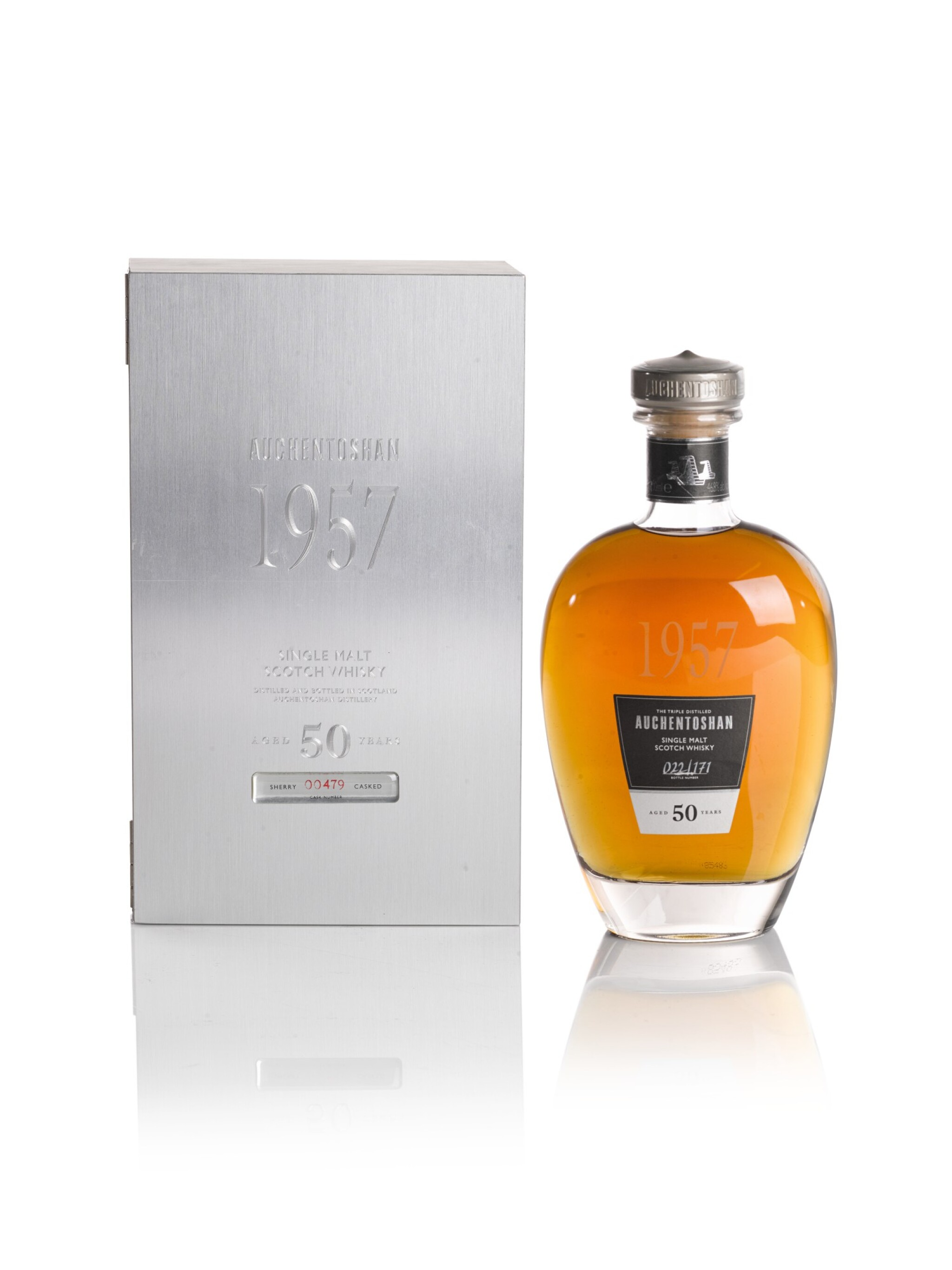View full screen - View 1 of Lot 280. AUCHENTOSHAN ORIGINAL BOTTLING  50 YEAR OLD 46.8 ABV 1957  .