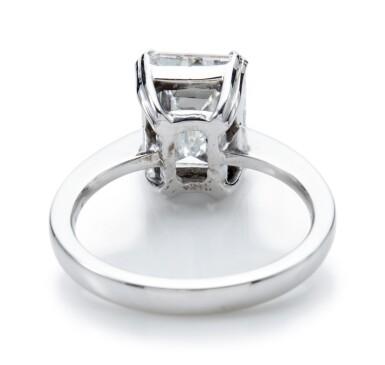 DIAMOND RING (ANELLO CON DIAMANTE)