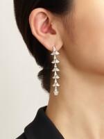 PAIR OF DIAMOND PENDENT EARRINGS |  鑽石吊耳環一對
