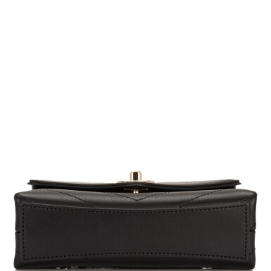 View 4. Thumbnail of Lot 95. CHANEL    COCO CHEVRON DOUBLE WRAP WAIST BAG OF BLACK CALFSKIN WITH LIGHT TONE GOLD HARDWARE.