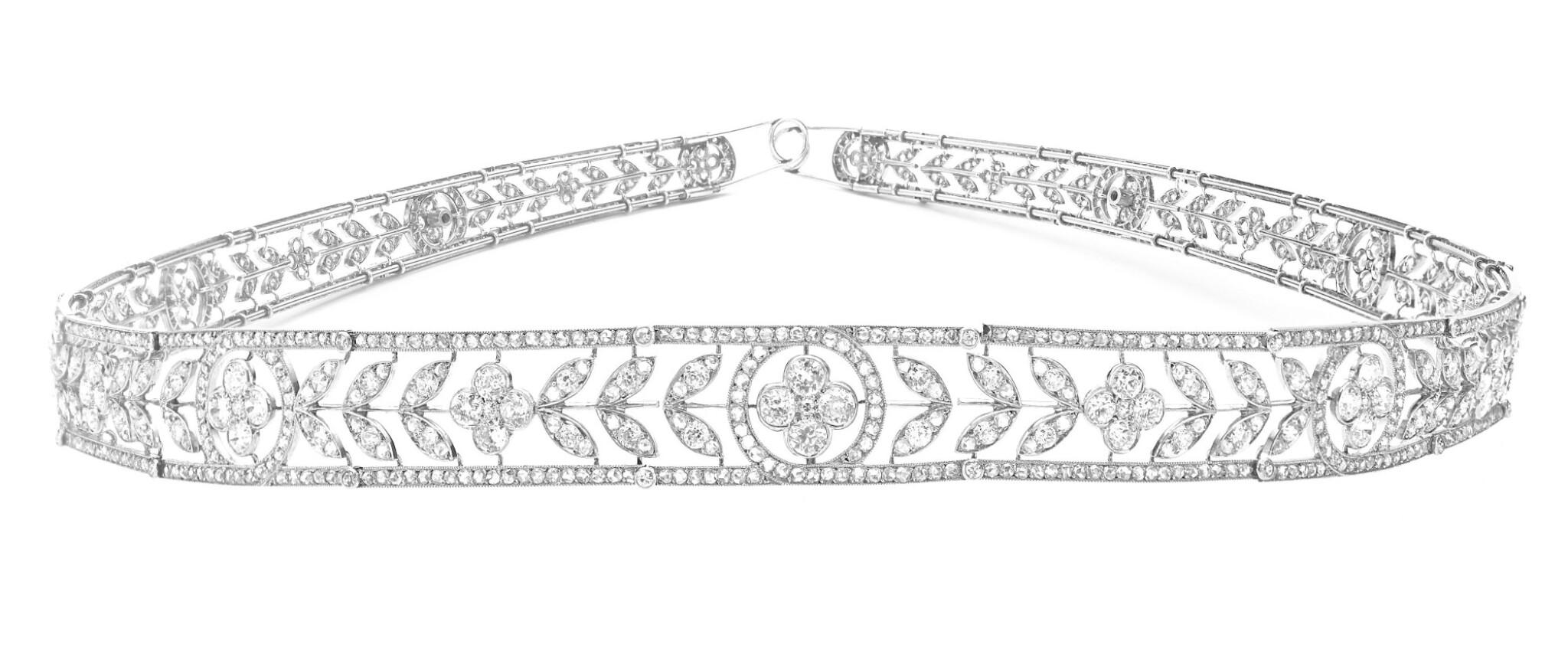 View full screen - View 1 of Lot 179. BOUCHERON   DELICATE DIAMOND BANDEAU, CIRCA 1910 [Boucheron 鑽石束髮帶,約1910年].