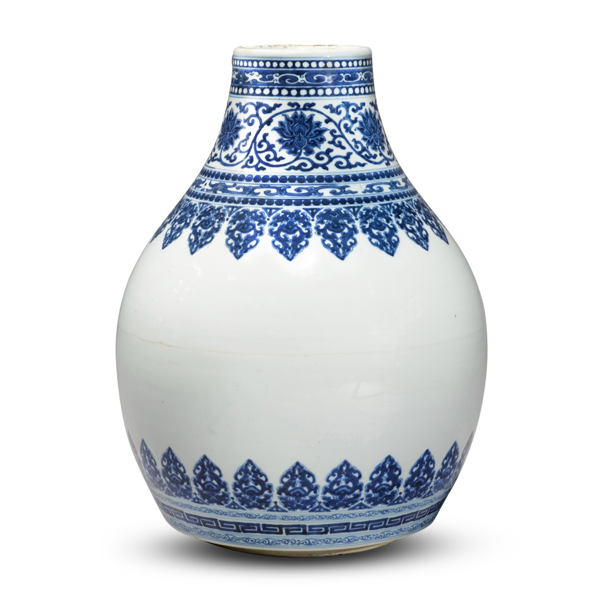 View full screen - View 1 of Lot 32. A blue and white vase, Qing dynasty, Kangxi period.