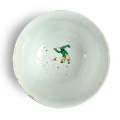 View 5. Thumbnail of Lot 144. A famille-verte 'figural' bowl, Qing dynasty, Kangxi period   清康熙 五彩人物故事圖盌  《大明成化年製》仿款.