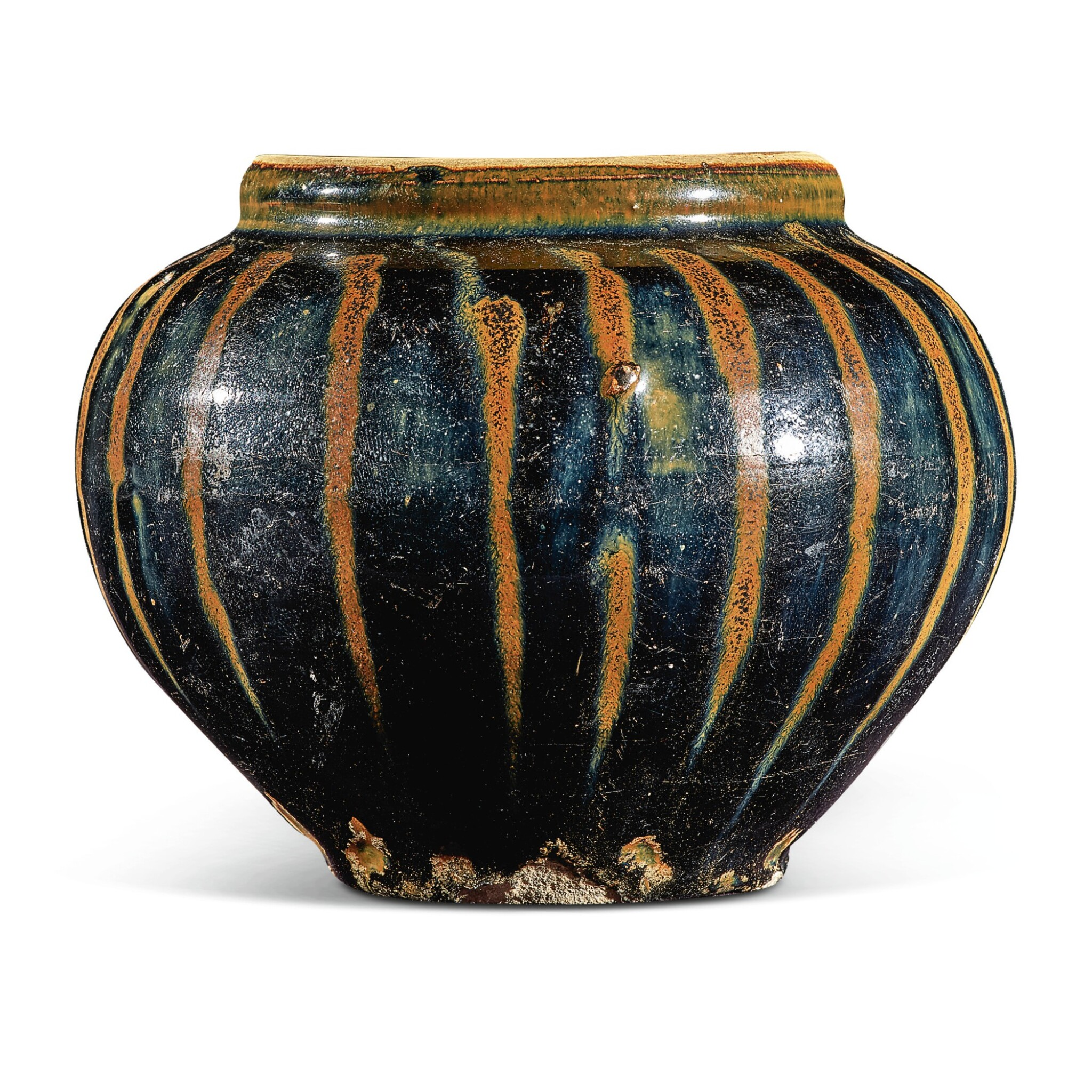 View full screen - View 1 of Lot 105. A russet-painted black-glazed jar, Northern Song / Jin dynasty   北宋 / 金 黑釉醬斑罐.