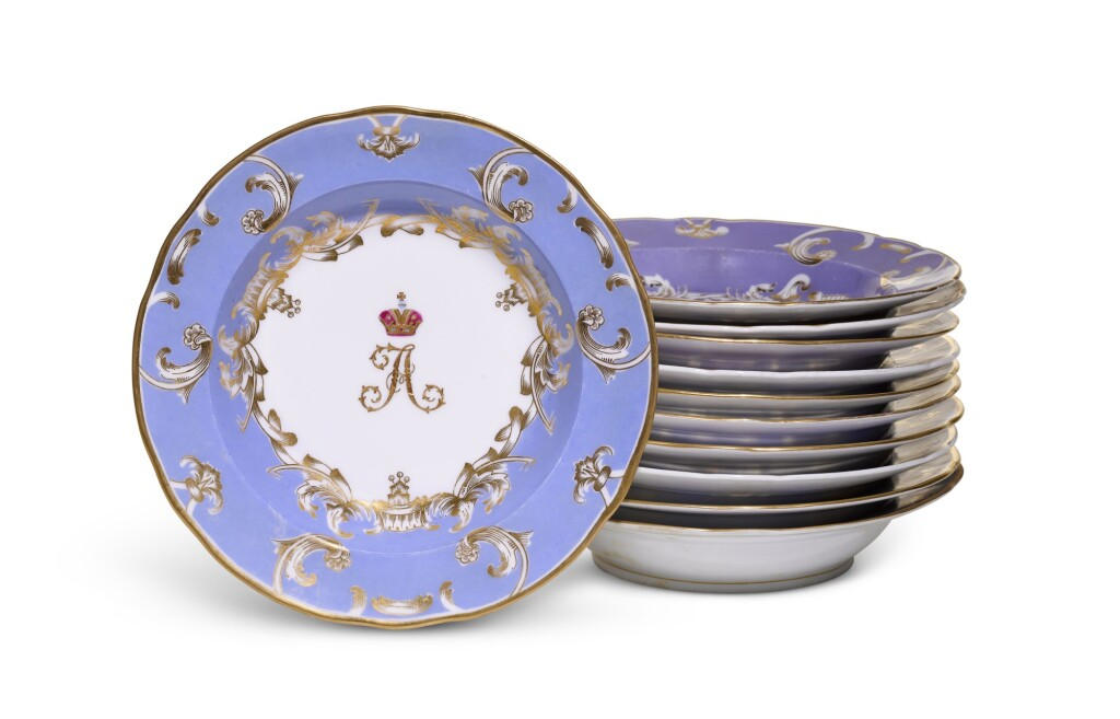 ELEVEN PORCELAIN SOUP BOWLS FROM THE FARM PALACE BANQUET SERVICE, IMPERIAL PORCELAIN FACTORY, ST PETERSBURG, PERIOD OF ALEXANDER II (1855-1881) AND ALEXANDER III (1881-1894)