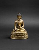 Figure de Bhaisajyaguru en bronze doré Fin de la dynastie Ming - début de la dynastie Qing | 明末清初 鎏金銅藥師佛坐像 | A gilt-bronze figure of Bhaisajyaguru, late Ming Dynasty - early Qing