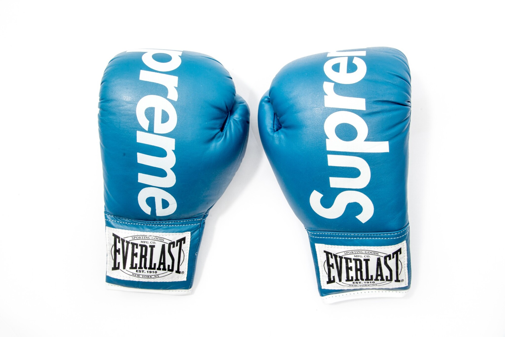 View full screen - View 1 of Lot 5. SUPREME EVERLAST BOXING GLOVES BLUE.