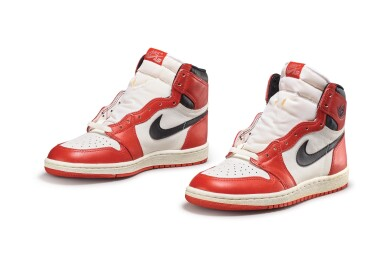 View 2. Thumbnail of Lot 9. Nike Air Jordan 1 High OG (1985) 'Chicago' | Size 9.