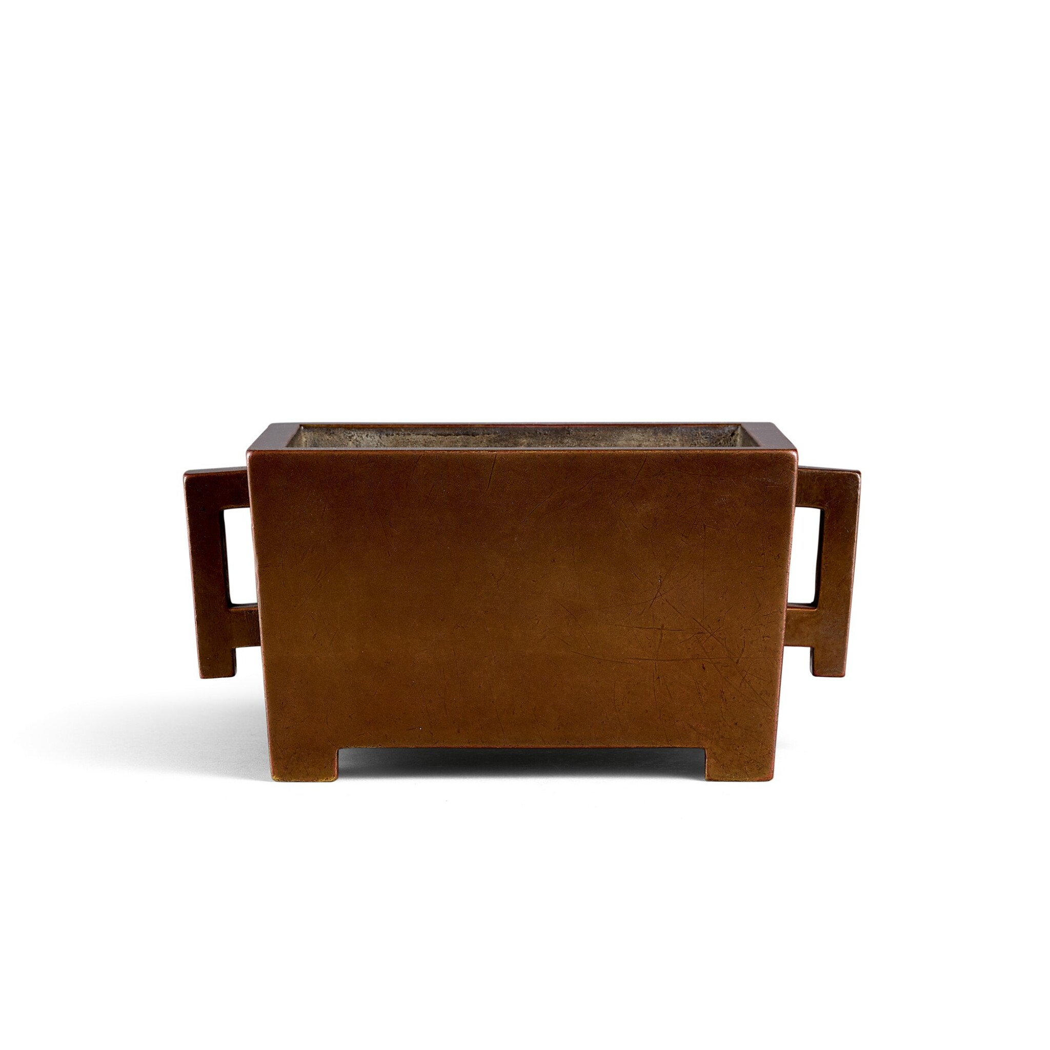 View full screen - View 1 of Lot 3686. A finely cast rectangular bronze incense burner, Mark and period of Kangxi   清康熙 銅馬槽爐 《大清康熙年製燕臺施氏精造》款.