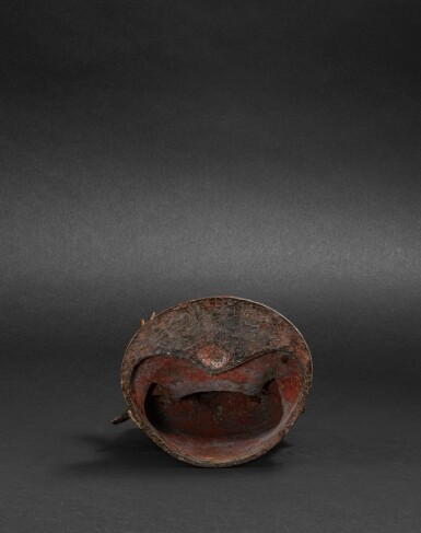 View 6. Thumbnail of Lot 39. Statue de Guanyin en bronze doré Dynastie Ming, XVIIE siècle | 明十七世紀 鎏金銅觀音菩薩坐像 | A large gilt-bronze figure of Guanyin on a lotus base, Ming Dynasty, 17th century.