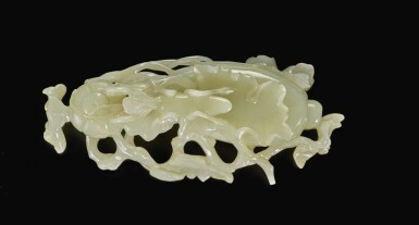 View 5. Thumbnail of Lot 180. A pale green jade 'praying mantis' double box and cover, Qing dynasty | 清 青玉雕瓜瓞螳螂蓋盒.