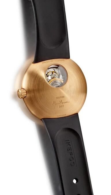 View 3. Thumbnail of Lot 8034. IKEPOD | HORIZON, REFERENCE HHR70 | A PINK GOLD WRISTWATCH, DESIGNED BY MARC NEWSON, CIRCA 2013  | Horizon 型號HHR70 粉紅金腕錶,由Marc Newson設計,約2013年製.
