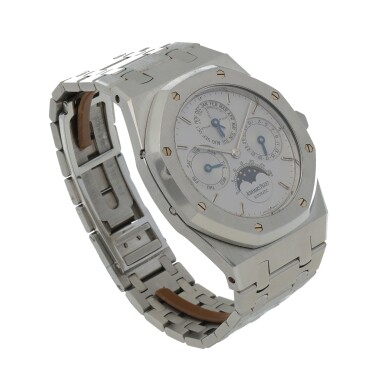 View 3. Thumbnail of Lot 13. Royal Oak, Ref. 25820ST/O/0944ST/01 Stainless steel perpetual calendar wristwatch with moon phases and leap-year indication Circa 1995   愛彼25820ST/O/0944ST/01型號「Royal Oak」精鋼萬年曆腕錶備月相及閏年顯示,年份約1995.