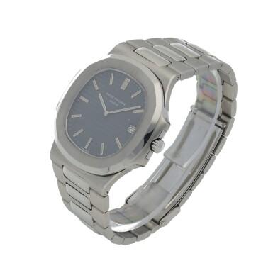 View 2. Thumbnail of Lot 68. 'Jumbo' Nautilus, Ref. 3700/1 Stainless steel wristwatch with date, bracelet and cork presentation case Made in 1976 | 百達翡麗 3700/1型號「'Jumbo' Nautilus」精鋼鍊帶腕錶備日期顯示,附軟木錶盒,1976年製.