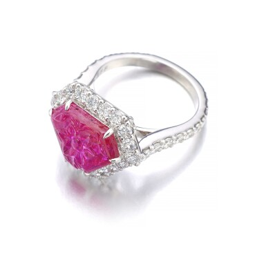 GRAFF | RUBY AND DIAMOND RING