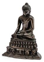 STATUETTE DE BOUDDHA EN ALLIAGE DE CUIVRE TIBET, STYLE PALA, XVIIIE SIÈCLE    西藏 十八世紀 銅合金帕拉式佛坐像   A copper-alloy Buddha, Pala-style, Tibet, 18th century