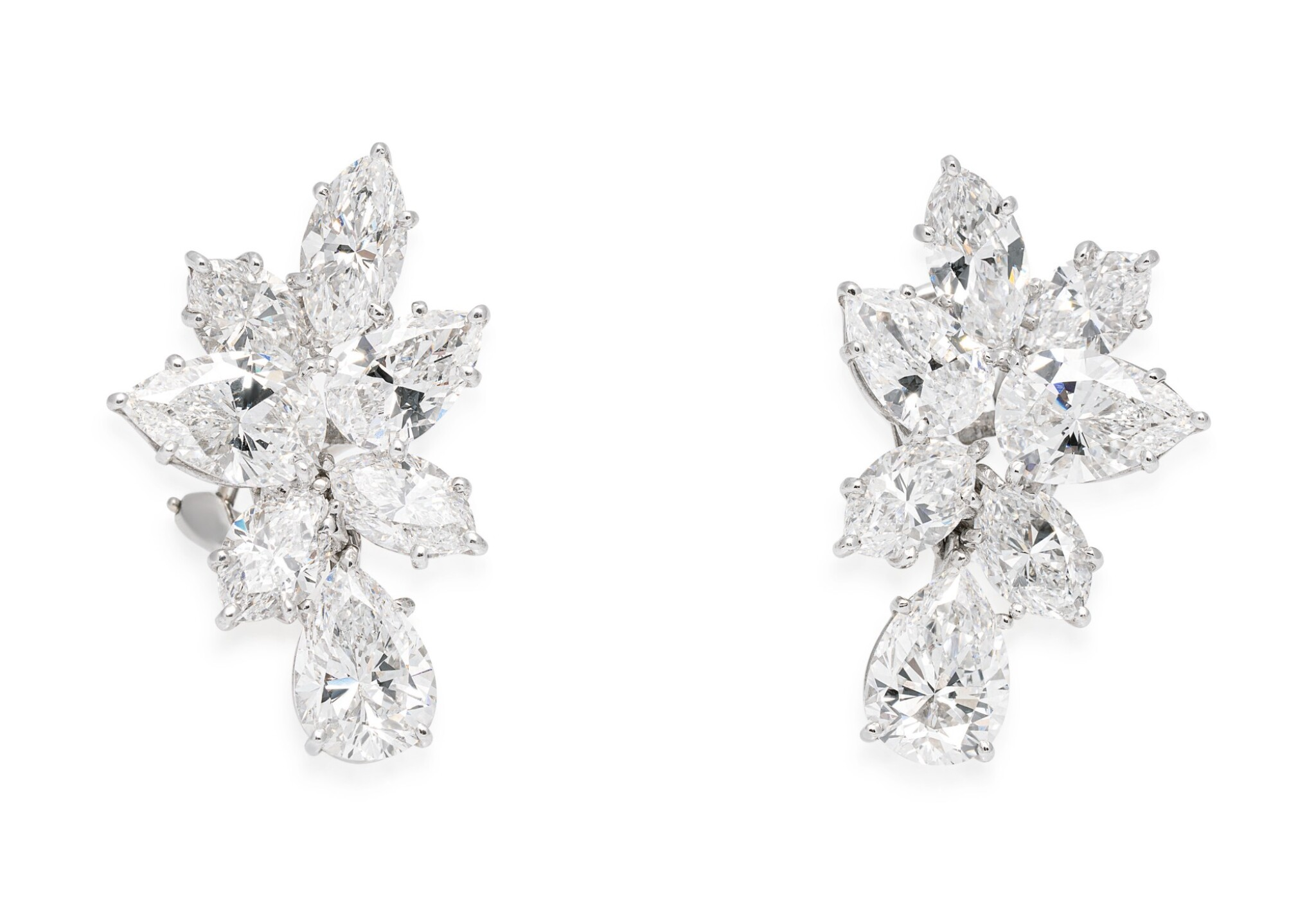 View full screen - View 1 of Lot 32. HARRY WINSTON | PAIR OF DIAMOND EARCLIPS.