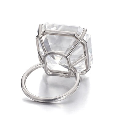 View 3. Thumbnail of Lot 122. Exceptional diamond ring | 鑽石戒指.