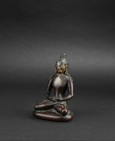 View 2. Thumbnail of Lot 33. Figure de Bouddha en bronze partiellement laqué or Dynastie Qing, XVIIIE siècle | 清十八世紀 局部漆金銅佛坐像 | A partly lacquer-gilt bronze figure of Buddha, Qing Dynasty, 18th century.