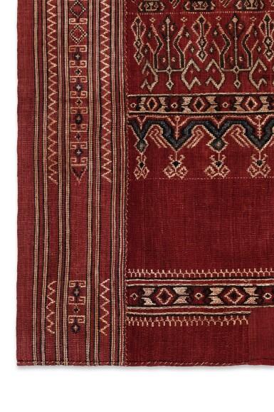 View 3. Thumbnail of Lot 38. Tissu cérémoniel pua, Iban, Bornéo, Indonésie, début du 20e siècle | Ceremonial cloth pua, Iban, Borneo, Indonesia, early 20th century.