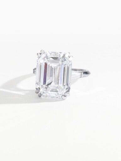 View 2. Thumbnail of Lot 193. ATTRACTIVE DIAMOND RING [鑽石戒指].