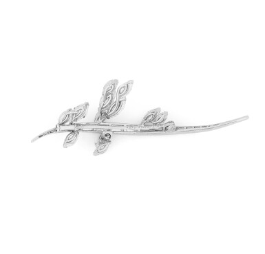 View 2. Thumbnail of Lot 98. Broche diamants | Diamond brooch.