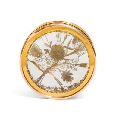 View 3. Thumbnail of Lot 311. A glass bonbonniere with two-colour gold mounts, Pierre-Denis Chaumont, Paris, 1789-92.
