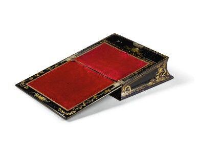 A VICTORIAN BLACK LACQUERED AND GILT-HEIGHTENED PAPIER-MÂCHÉ 'CHATSWORTH' WRITING BOX BY JENNENS & BETTERIDGE, CIRCA 1840