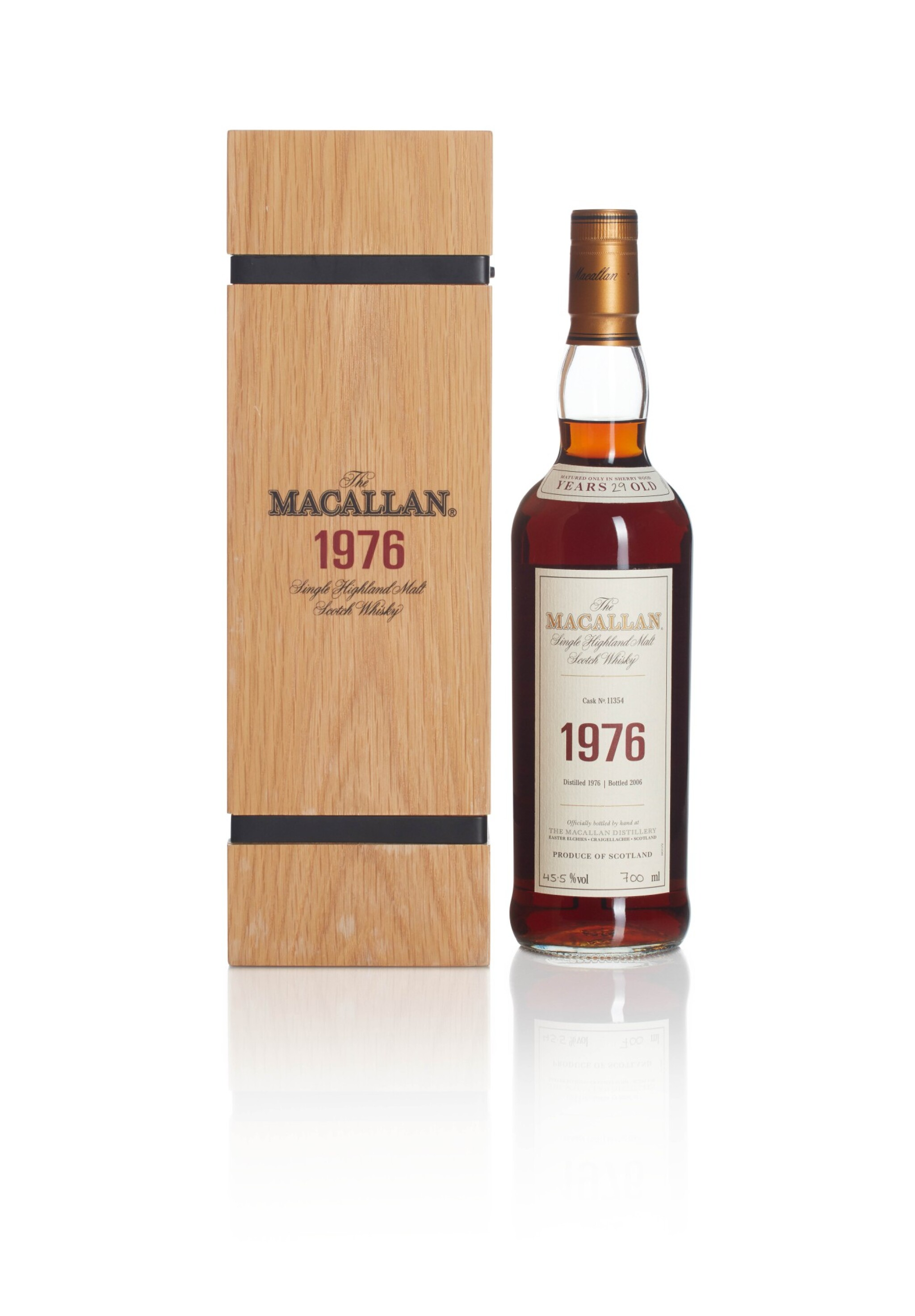 View full screen - View 1 of Lot 3. The Macallan Fine & Rare 29 Year Old 45.5 abv 1976.
