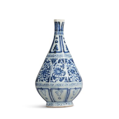 View 3. Thumbnail of Lot 93. A blue and white faceted pear-shaped vase, Yuan dynasty | 元 青花花卉紋八棱玉壺春瓶.