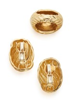 PAIR OF GOLD EARCLIPS AND RING, DAVID WEBB