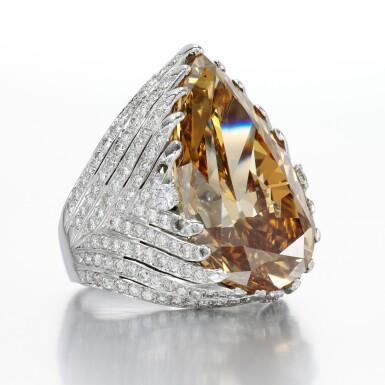 FANCY DEEP BROWN-YELLOW DIAMOND RING [ 深彩棕黃色鑽石戒指]