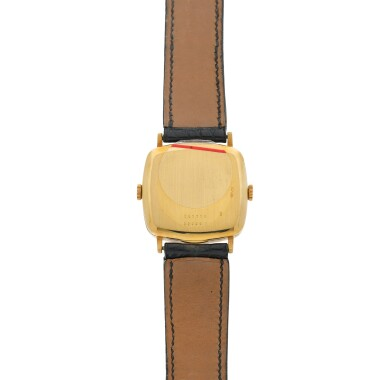 REFERENCE 32000 T RETAILED BY HERMES: A YELLOW GOLD SQUARE DUAL TIME WRISTWATCH, CIRCA 1970