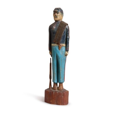 AMERICAN CARVED AND PAINT DECORATED PINE SCULPTURE OF A CIVIL WAR UNION ARMY SOLDIER, LATE 19TH OR EARLY 20TH CENTURY