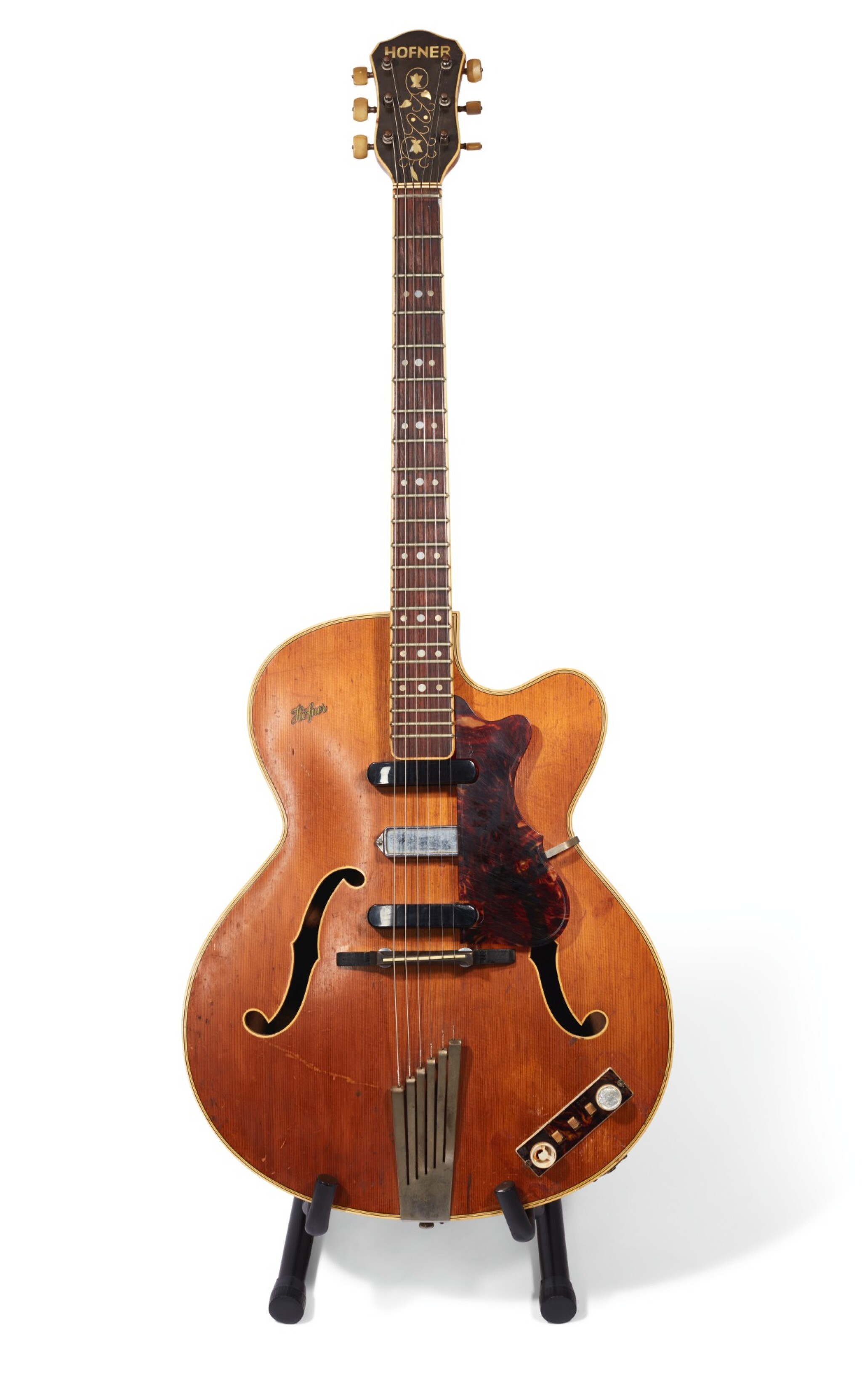 View full screen - View 1 of Lot 21. GEORGE HARRISON | 1959 Hofner President 'thinline' semi-acoustic guitar, owned by him and given to Alan Herring.