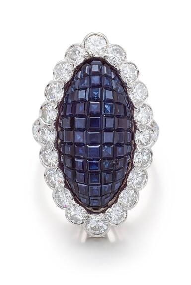View 2. Thumbnail of Lot 1601. VAN CLEEF & ARPELS | SAPPHIRE AND DIAMOND RING | 梵克雅寶 | 藍寶石 配 鑽石 戒指.