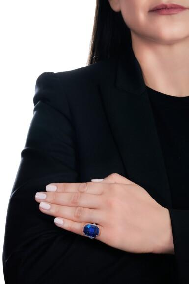 View 5. Thumbnail of Lot 169. Bulgari | Important Sapphire and diamond ring | 寶格麗 | 藍寶石配鑽石戒指.