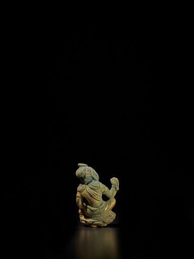 View 3. Thumbnail of Lot 104. A small gilt-bronze figure of a bodhisattva, Tang dynasty | 唐 銅鎏金袖珍菩薩坐像.