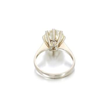 View 3. Thumbnail of Lot 1149. Diamond ring.