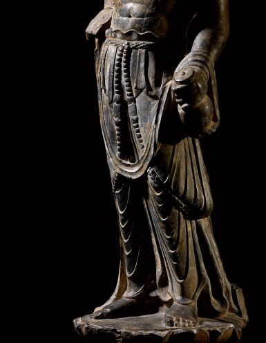 View 4. Thumbnail of Lot 20. An important and magnificent pair of grey limestone figures of Bodhisattvas, Mahasthamaprapta and Avalokiteshvara,  Early Tang dynasty, era of Empress Wu Zetian | 唐初高宗至武周時期 石灰岩雕大勢至與觀世音菩薩立像一對.