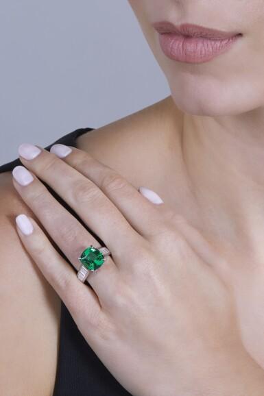 View 2. Thumbnail of Lot 165. Van Cleef & Arpels [梵克雅寶] | Tsavorite Garnet and Diamond Ring [沙弗來石配鑽石戒指].