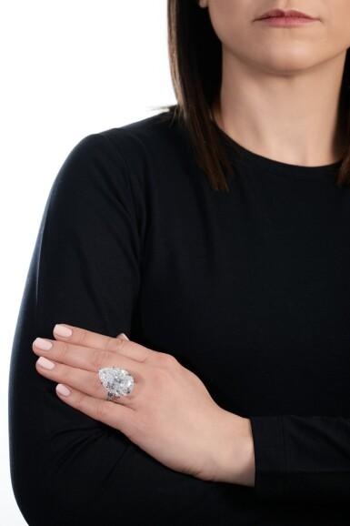 View 5. Thumbnail of Lot 174.   Harry Winston | Important diamond ring | 海瑞溫斯頓 | 鑽石戒指.