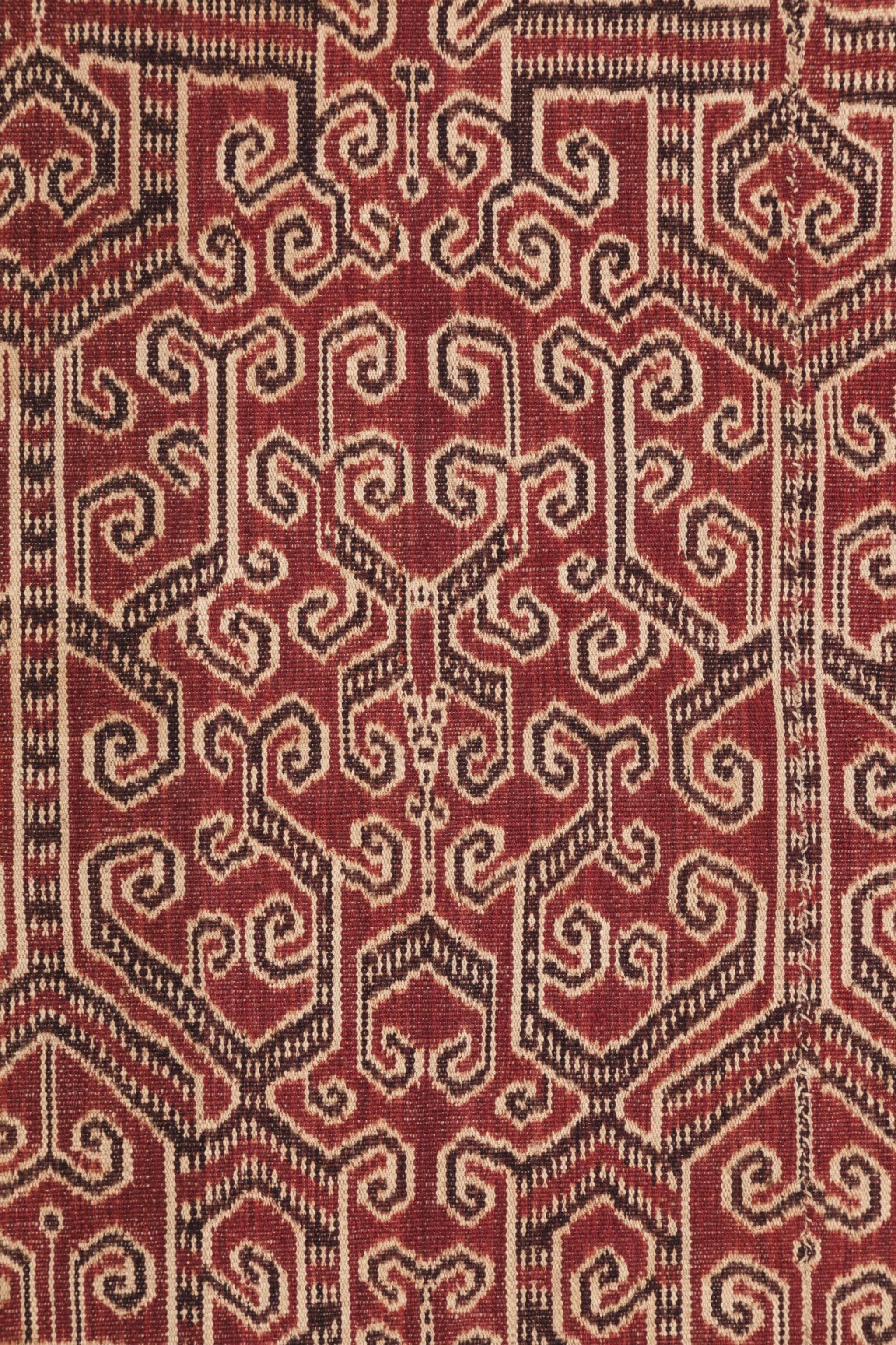 View full screen - View 1 of Lot 2. Tissu cérémoniel pua, Iban, Bornéo, Indonésie, début du 20e siècle | Ceremonial cloth pua, Iban, Borneo, Indonesia, early 20th century.