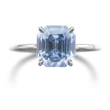 IMPORTANT FANCY VIVID BLUE DIAMOND RING