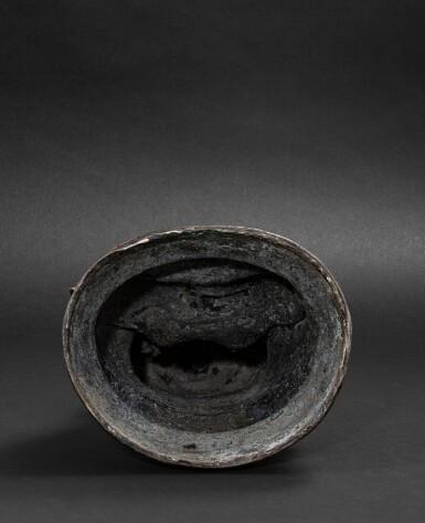 View 5. Thumbnail of Lot 51. Grande Statue de Bouddha en bronze laqué doré Probablement fin de la dynastie Ming, XVIE-XVIIE siècle | 或為明十六至十七世紀 漆金佛坐像 | A large lacquer-gilt bronze figure of Buddha, probably Ming Dynasty, 16th-17th century.