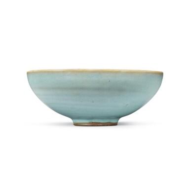 View 3. Thumbnail of Lot 194. A sky-blue glazed 'Jun' bowl, Jin dynasty | 金 鈞窰天藍釉盌.