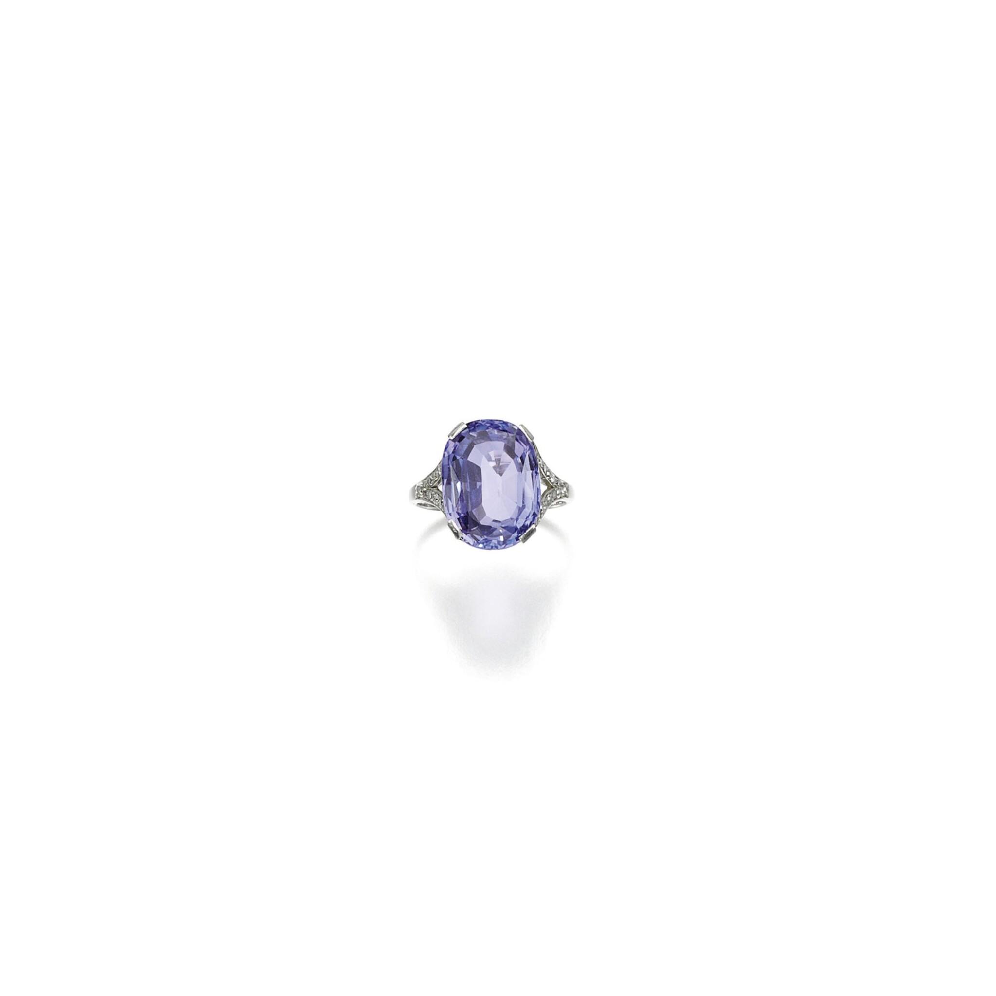VIOLET SAPPHIRE AND DIAMOND RING, CIRCA 1910