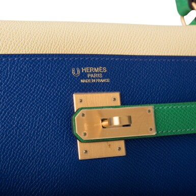 View 7. Thumbnail of Lot 13. HERMÈS | HORSESHOE STAMP (HSS) TRI-COLOR BLEU ELECTRIC, BAMBOO AND JAUNE POUSSIN RETOURNE KELLY 32CM OF EPSOM LEATHER WITH BRUSHED GOLD HARDWARE.