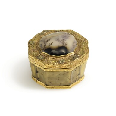 View 2. Thumbnail of Lot 26. A three-colour gold and hardstone snuff box, Paris, 1756.