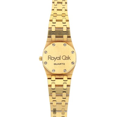 View 4. Thumbnail of Lot 522. Royal Oak Yellow gold and diamond-set wristwatch with bracelet Circa 1985 | 愛彼 「Royal Oak」黃金鑲鑽石鍊帶腕錶,年份約1985.